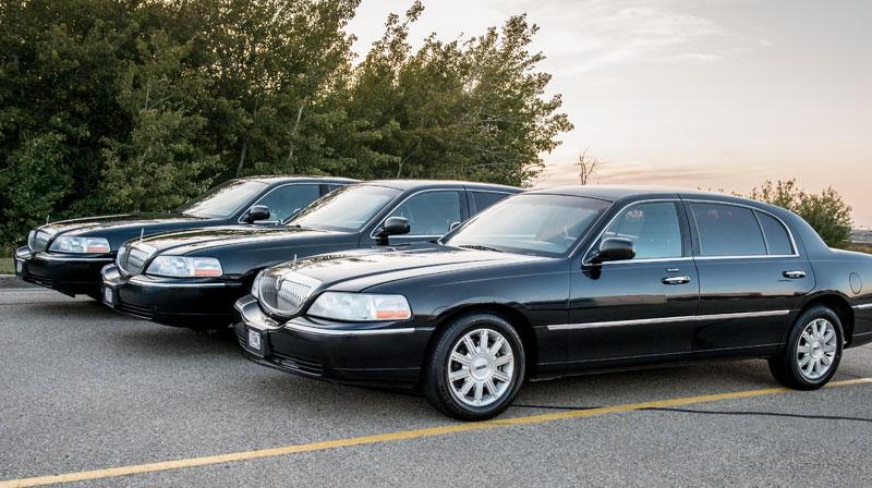 Black Town Car Limousine Service Edmonton – Apex Limousine