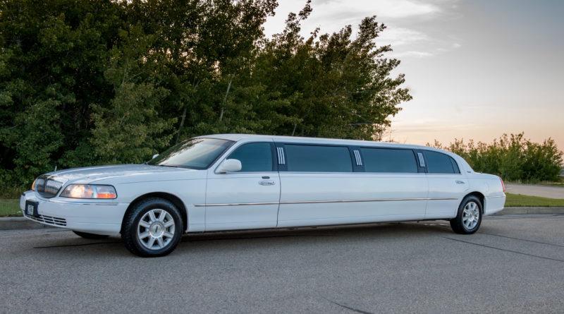 town-car-stretch-limo-apex-limousine-edmonton-2